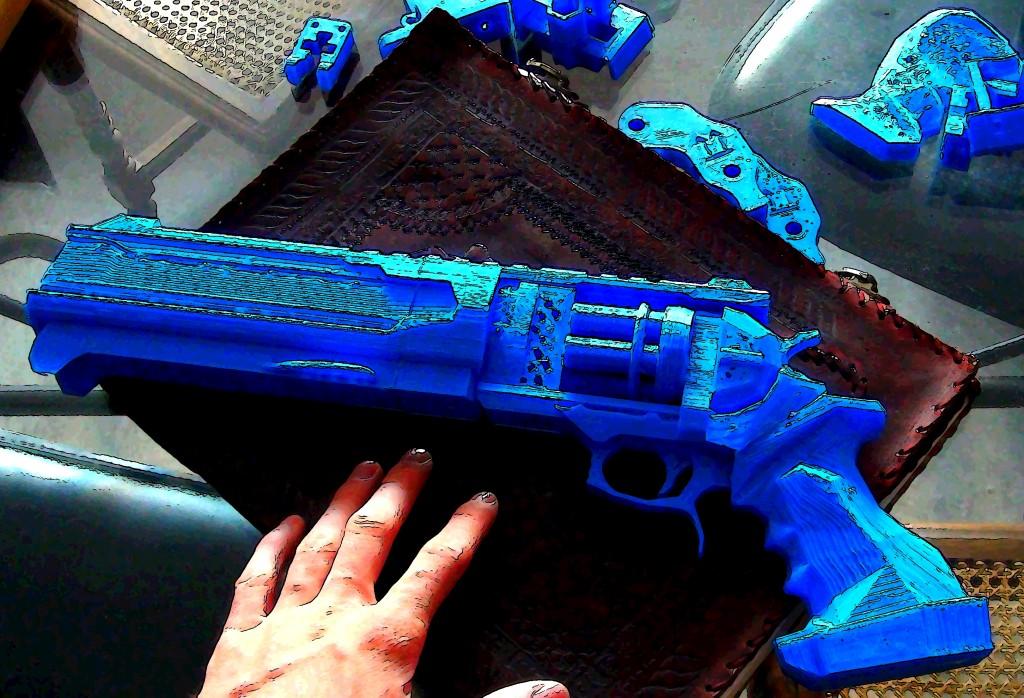 revolver imprimé en 8 pièces.