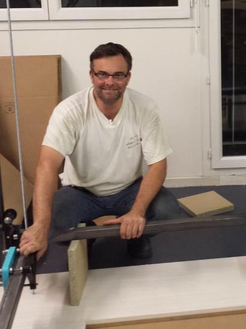 Frédéric lors du montage du prototype de R4v1